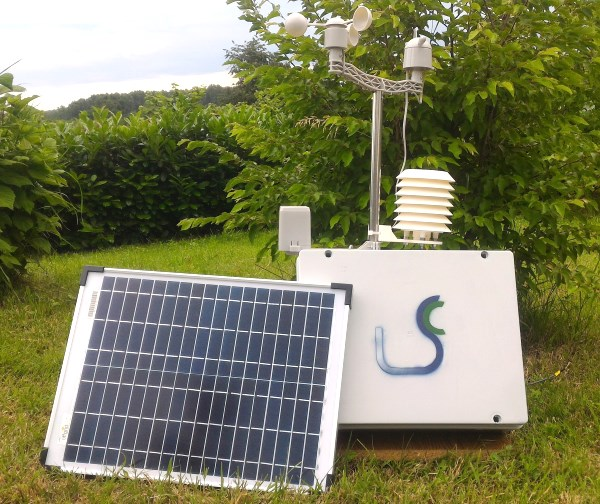 Solar-powered weather station and air quality monitor